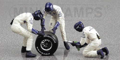 1:43 Minichamps BMW Williams Tyre Change Set 2