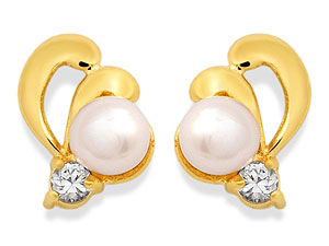 Freshwater Cultured Pearl And Cubic