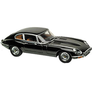 AUTOart Jaguar E-Type Series 3 V12 coupe 1:18