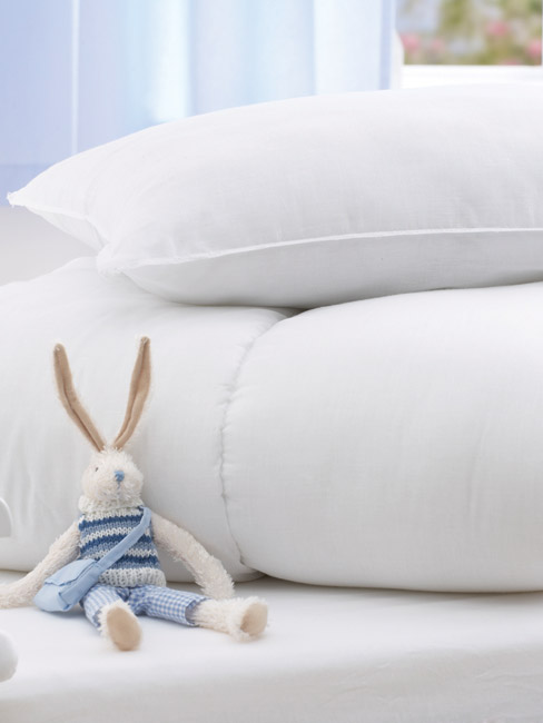 Junior Bed Pillow by Baroo