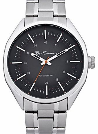 Mens Quartz Watch with Black Dial Analogue Display and Silver Bracelet BS099