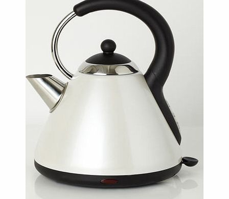 Pearlised white Essentials pyramid kettle, white