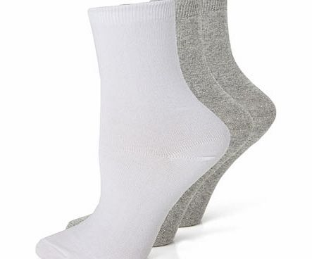 Womens Grey  White Blister Resist Ankle Socks,
