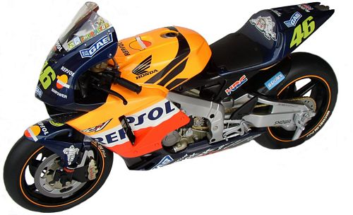 1:6 Minichamps bike Honda RC211V 2002 - V. Rossi