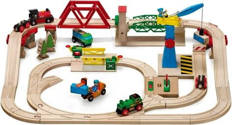 33076 Wooden Railway System: Freight Yard Set