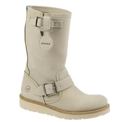 Female Crazy Horse B9 Leather Upper Leather Lining in Off White, Tan