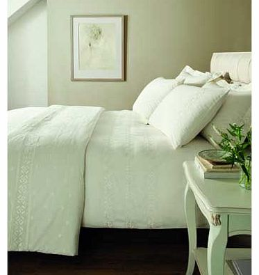 Catherine Lansfield Cream Windsor Bedspread
