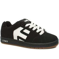 Male Etnies Cinch Nubuck Upper in Black and White