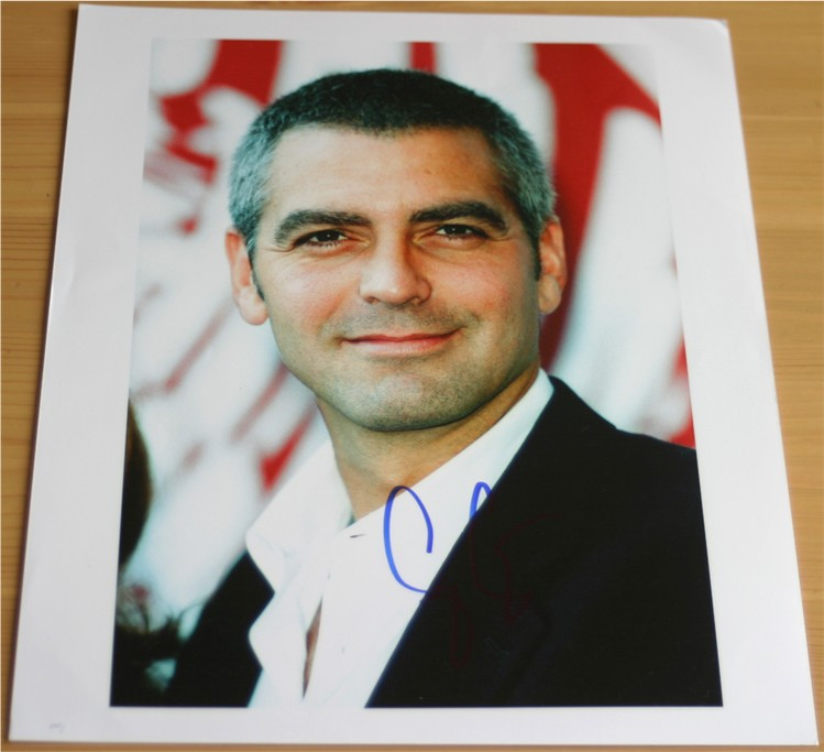 CLOONEY SIGNED 10 x 8 INCH COLOUR