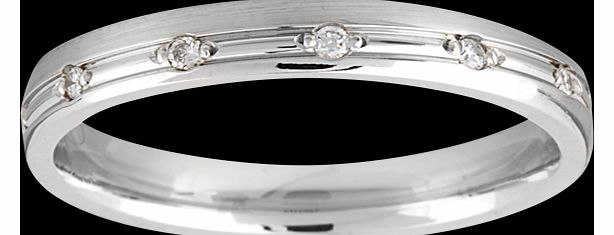 Goldsmiths Ladies diamond set wedding ring in 18 carat