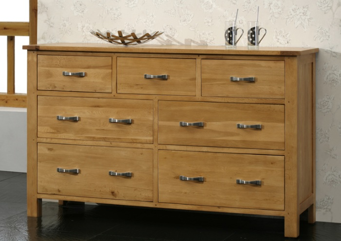 Oak 7 Drawer Chest Of Drawers- Blonde