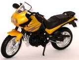 Triumph Tiger yellow 1:18 scale model motorbike