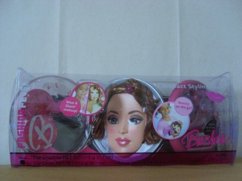 - Barbie Fashion Fever Compact Styling Face Brunette freckles