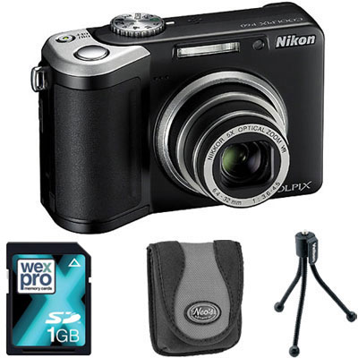 P60 Black Compact Camera with Bag, 1GB SD