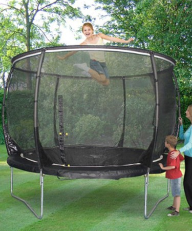 Plum Products © Plum® Magnitude 8ft Trampoline and 3G® Enclosure
