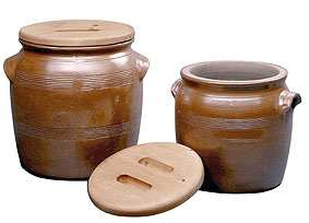 POTERIE RENAULT Barrel Crock Number 7 with Stone lid