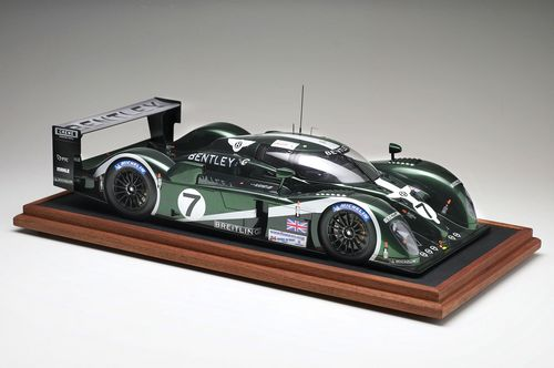 It is no exaggeration to describe the 2003 Bentley Speed 8 as a new car. Though the previous two