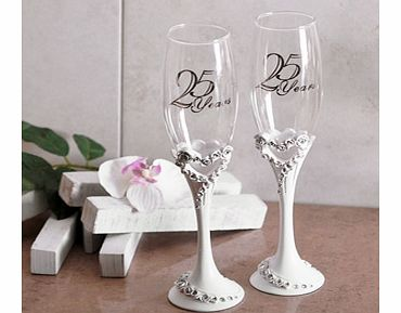 This gorgeous 25th Wedding Anniversary Pair of Heart Champagne Glasses would make the perfect gift for any special couple celebrating their silver wedding anniversary.This set has two identical champagne flutes with the words 25 Years in silver writi