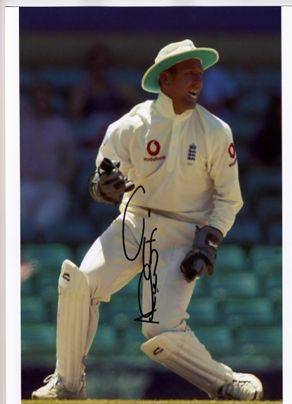 Alec Stewart has signed this fantastic colour photograph in black pen. Certificate Of Authenticity