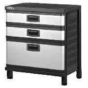 This Stanley B3 3 drawer unit comes in a black/silver colour that has 3 easy access full extension d