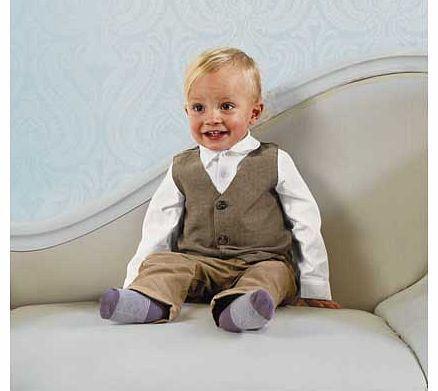 Your little boy will look dashing in this adorable waistcoat. shirt and trousers set. Whatever the occasion. if the dress code is formal. your baby boy will be dressed to impress! Set includes: shirt. waistcoat and trousers. Composition: shirt and tr