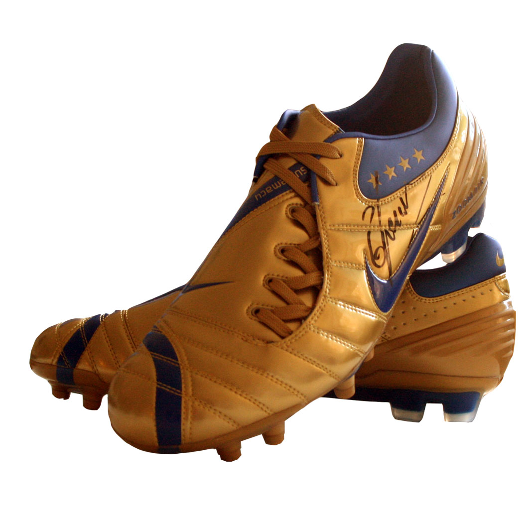 This Nike AZT90 Laser Football Boot is the model as worn by Italian World Cup winning captain and fo