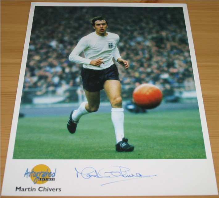 This is a quality caricature which has been signed by England and Spurs legend Glenn Hoddle in