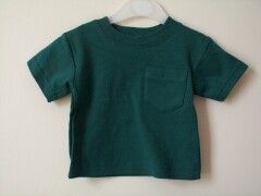 Ex-gap short sleeved t-shirt with patch pocket.100