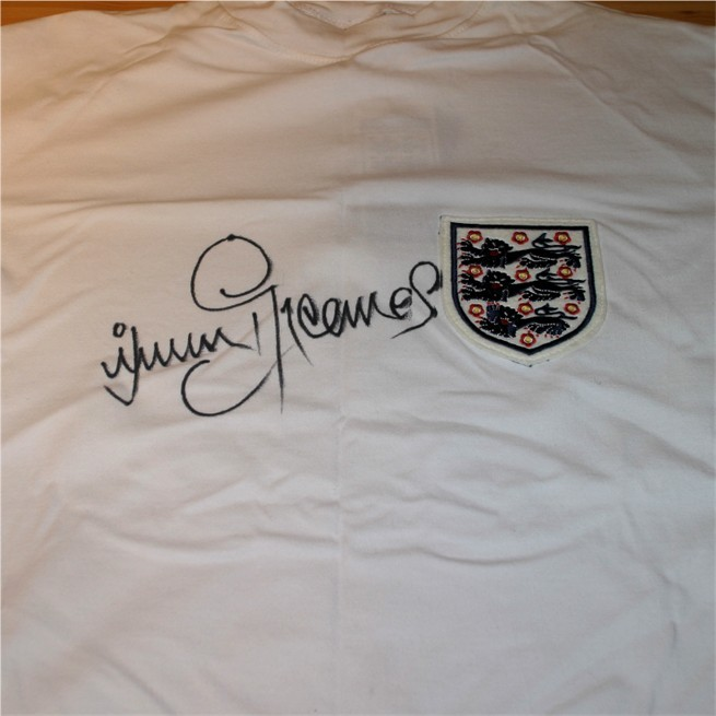 Signed in black pen by the legendary Spurs and England striker. COA - 0420000214