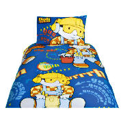 This single duvet cover set comes in blue and features Bob the Builder graphics to add a touch of co