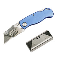 Folds away for easy and safe storage. Quick-change blade mechanism. Belt clip. Supplied with 10