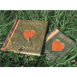 Unbranded Recycled Leaf Photo Album - Heart