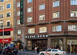 The Tryp Rex Hotel Madrid is situated in the Gran Via between the Plaza de Espa