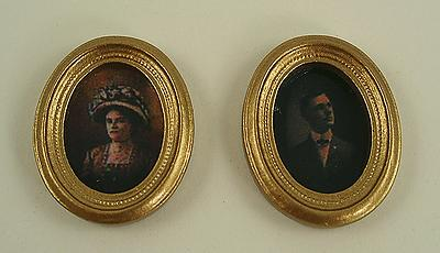 1:12 Scale Dolls House Miniature Family Portraits in Oval Frame