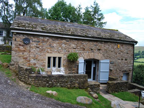 YORKSHIRE Dales self catering eco barn